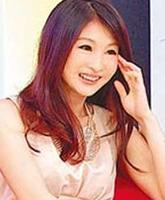 康熙来了芽芽_后成功转型通告艺人,活跃于台湾的各综艺节目《康熙来了》.