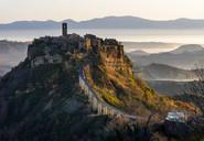 嗨 你知道意大利的心脏 有一座天空之城吗?