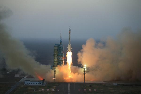 神舟十一号发射成功 将实现迄今为止我国时间最长的载人飞行的照片 - 4