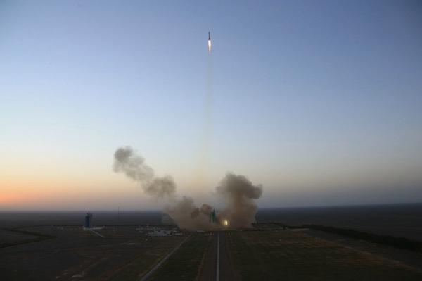 神舟十一号发射成功 将实现迄今为止我国时间最长的载人飞行的照片 - 5