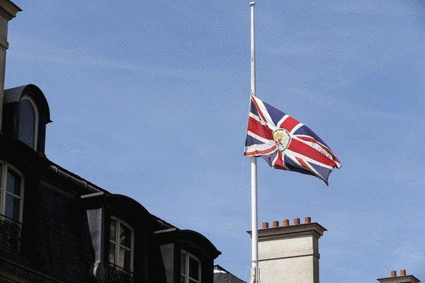 宝马PGA锦标赛降半旗哀悼曼彻斯特爆炸案遇难者